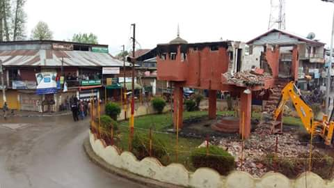 Security force bunkers removed from Handwara market