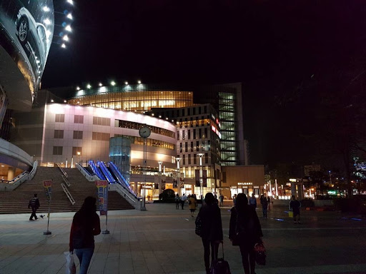 Evening walk to Hanshin Arena Shopping Plaza in Kaohsiung