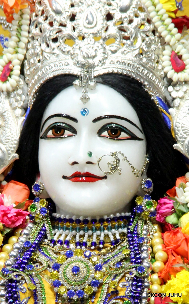 ISKCON Juhu Sringar Deity Darshan on 7th Sep 2016 (80)