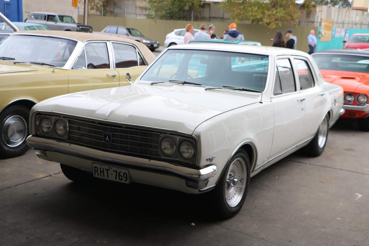 Holden Kingswood 03.jpg