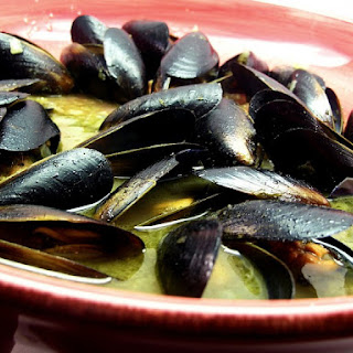 Mussels in White Wine Garlic-Butter Sauce.