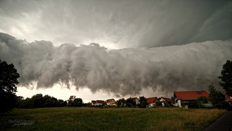 shelf-cloud-9