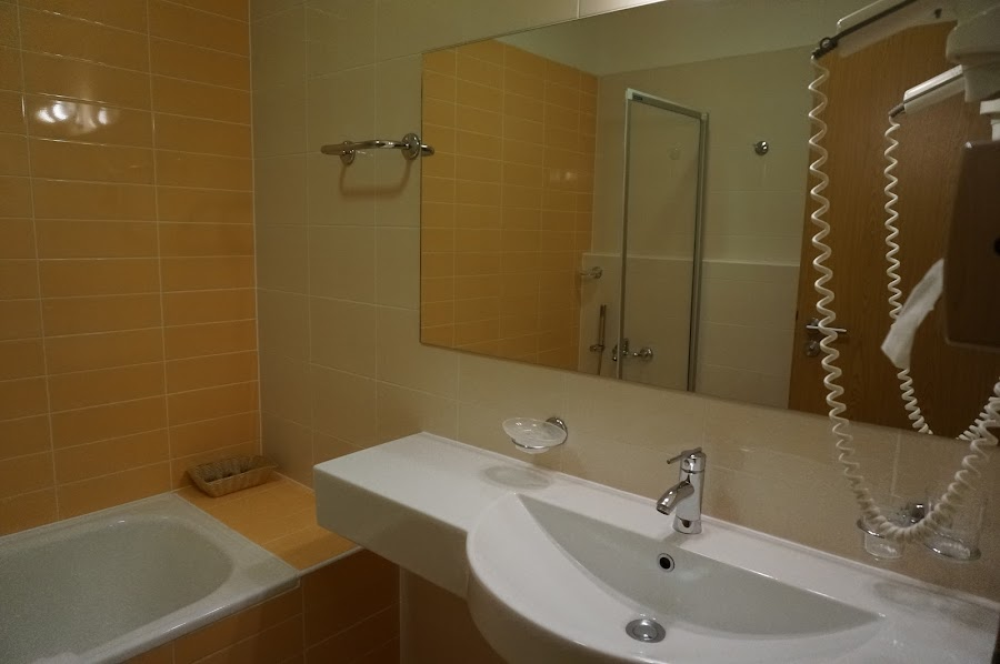 Ванная комната в отеле Michael в Праге