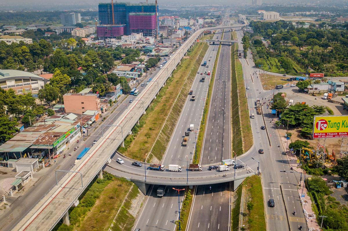 TP.HCM: Tăng 35% phí dịch vụ thoát nước, BOT Xa lộ Hà Nội thu phí trở lại - Ảnh 2