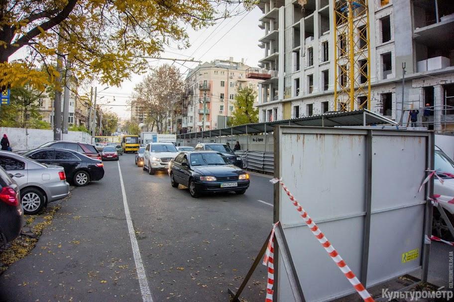 DSC06465 Одесская улица превратилась в сплошную пробку (ФОТО)