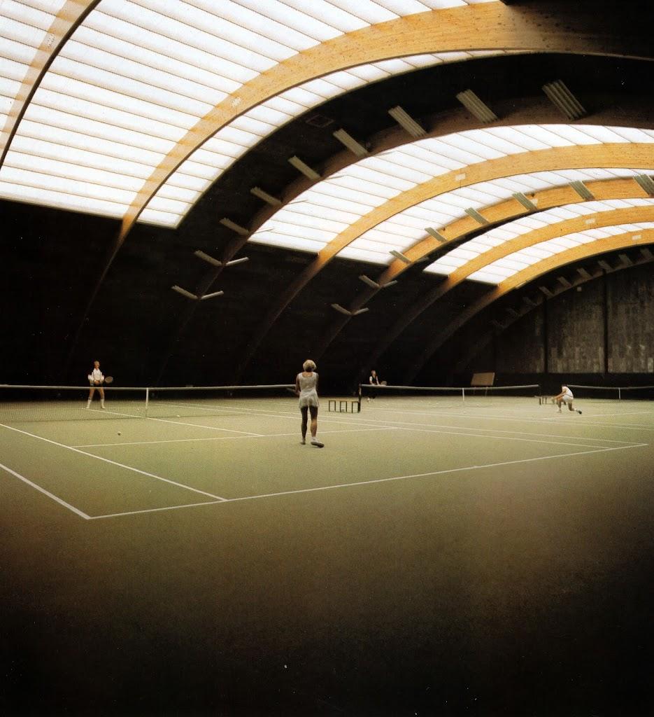 Tennishalla StNiklaas Belgien.jpg