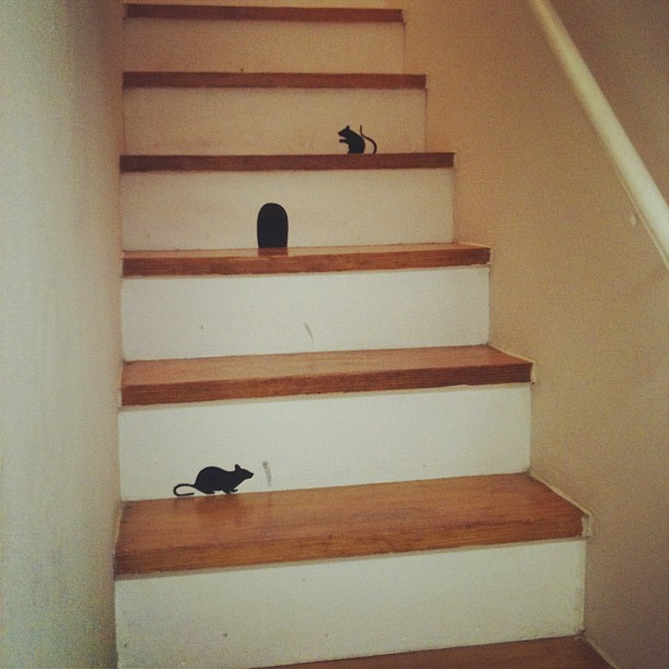 rat silhouettes on the stairs!