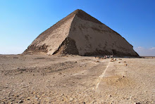 dahshur-bent-pyramid-from-causeway