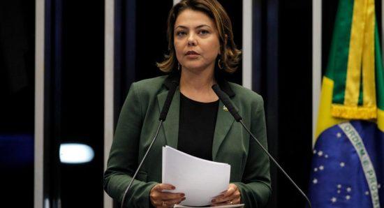 PSB abre guerra com Leila Barros
