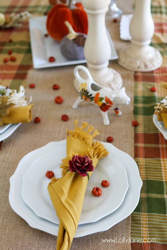 Easy-pretty-fall-tablescape