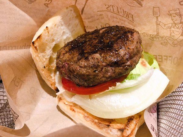 Burger Ray - 自己的漢堡自己做,各式配料都可以搭配,信義區手工創意漢堡料理