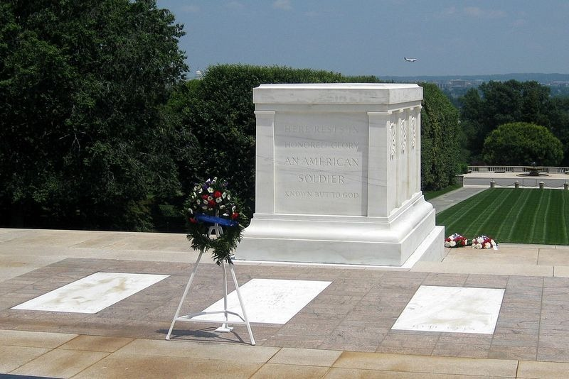 tomb-of-unknown-soldier-usa