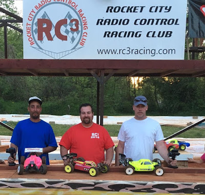 1/8 Electric Buggy - 1st: Daniel Myers, 2nd: Javier Caballero, 3rd: Stuart Owensby
