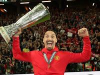 Zlatan Ibrahimovic celebrates Manchester United's Europa League success