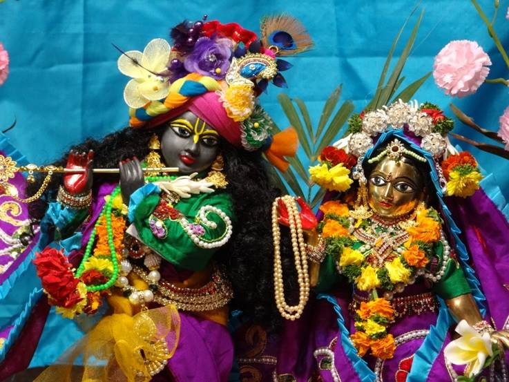 ISKCON Nigdi Deity Darshan 06 Jan 2016 (21)