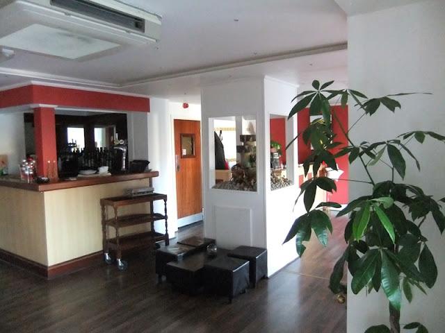 Interior Decoration at Curry Leaf Cottage Indian Restaurant (Burscough, Lancs)