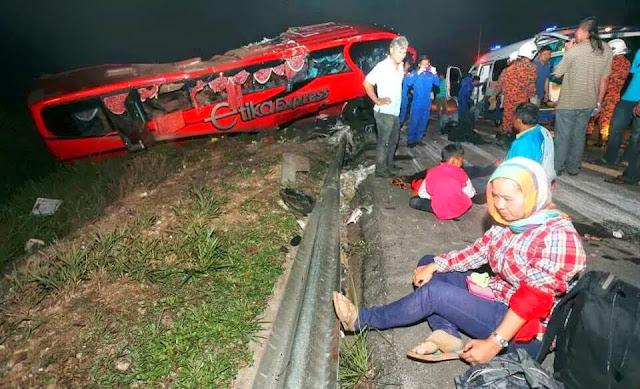Ngeri! Sebuah Bas Kemalangan Di LPT Menuju KL