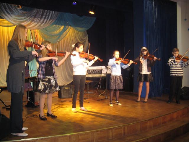 20.veebruaril Ahtme Klubis toimus traditsiooniline Eesti Iseseisvuspäevale pühendatud õpilaste ko - 5.jpg