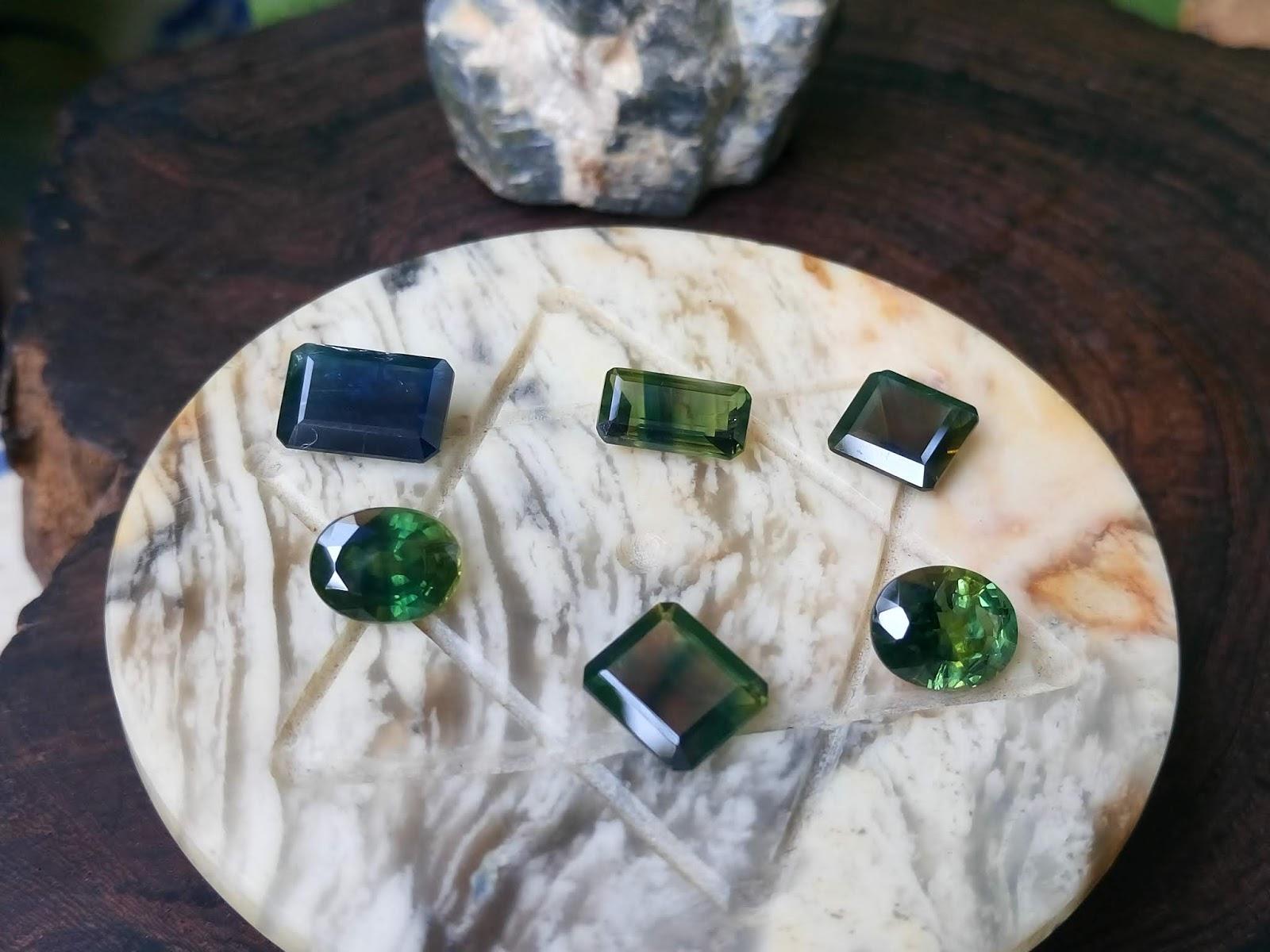 Đá Sapphire thiên nhiên, Natural Sapphire xanh lục và xanh Hero hàng sống không xử lý