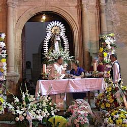 Ofrenda floral a la Virgen de Barbaño
