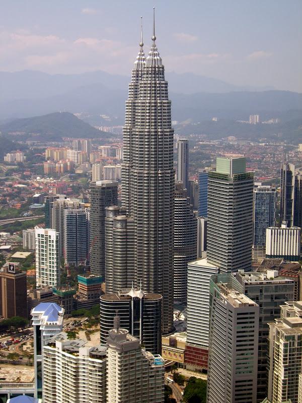 Blick vom KL Tower auf die Petronas Towers