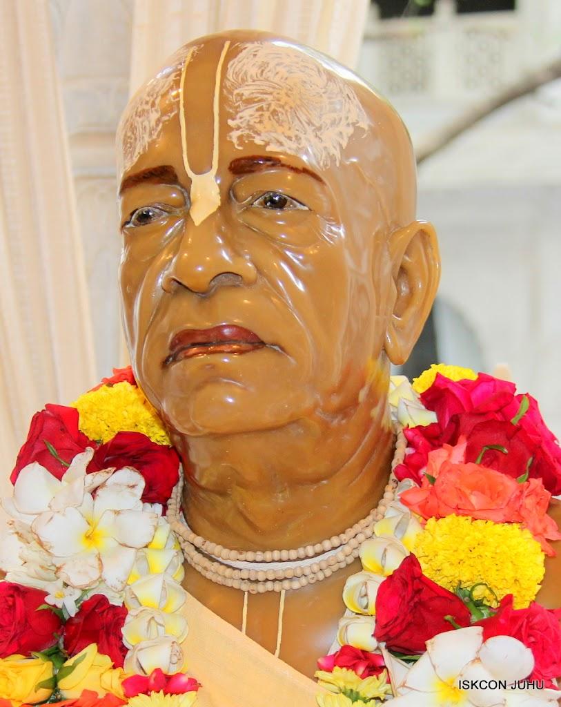 ISKCON Juhu Sringar Deity Darshan 10 Apr 16 (1)