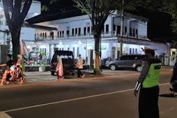 Wujudkan Kamseltibcarlantas, Polantas Lumajang Gelar Poros Malam Sekitar Masjidqa