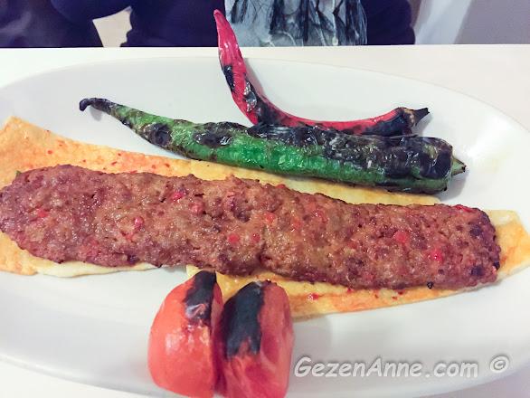 Adana'daki Koço'da Adana kebabı