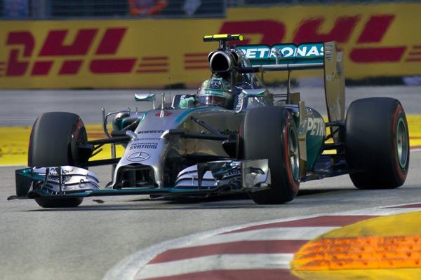Nico_Rosberg_2014_Singapore_FP3