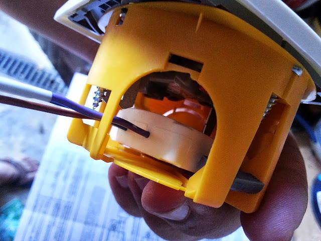 Wattlet dans sa boite avec un interrupteur