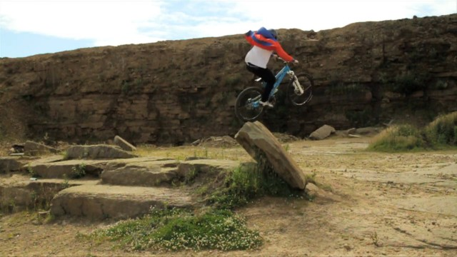 *Chris Akrigg 極限單車特技:飛簷走壁Q彈駕馭! 1