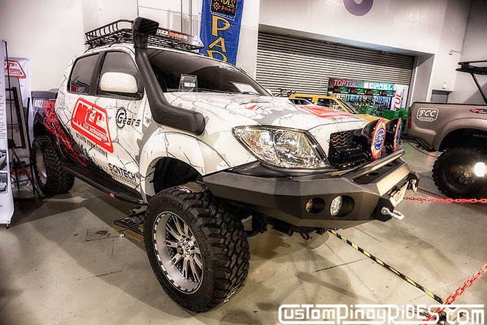 Some of the Best Modified 4x4s of 2013 Manila Auto Salon Custom Pinoy Rides Car Photography Philippines Philip Aragones Toyota Hilux2