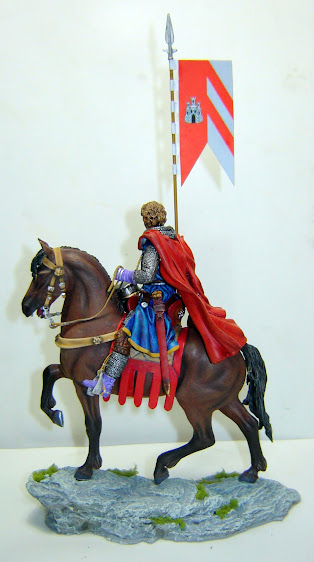 Crusader Knight c.1250 (Mounted) -  Andrea Miniatures 90mm DSC08122