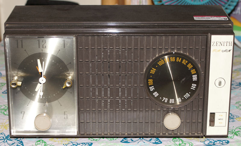 Year models zenith radio by Zenith Chassis