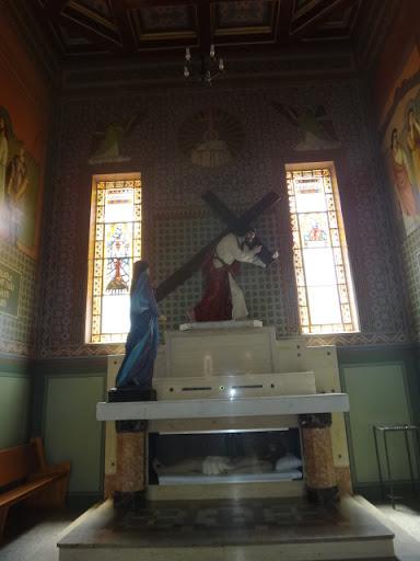 Vista geral da parte interna da Capela dedicada ao Senhor dos Passos
