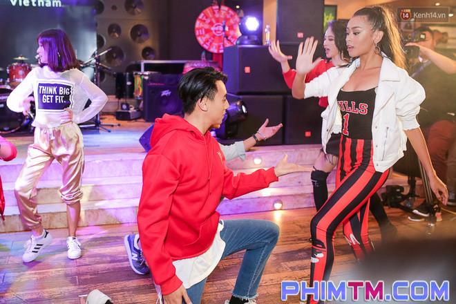 Clip: Màn khoe vũ đạo của Glee Việt nhận nhiều ý kiến trái chiều sau ngày ra mắt - Ảnh 5.