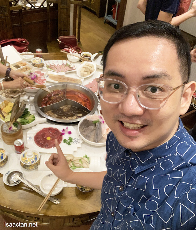 Lai lai, good authentic Chinese hotpot here!