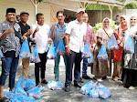 Alumni SMPN 1 Matang Bagikan Qurban di Kampungnya Alm.Tgk Abdullah Syafi'i