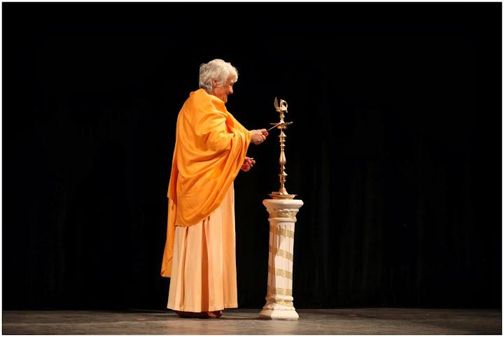 Swami Vivekananda Laser Show - IMG_6465.JPG