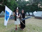 Vlajkonoš a královská stráž.