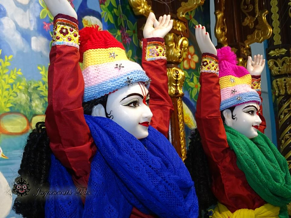 ISKCON Mira Road Mangla Deity Darshan 18 Dec 2015 (4)