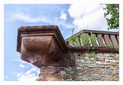 Fort St. Josef - die Mainzer Unterwelt: Balkon an der Festungsmauer