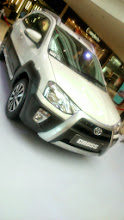 Photo: Toyota Etios Cross (http://www.toyotaetioscross.in/), displayed in a shopping mall nearby. 3rd September updated (日本語はこちら) -http://jp.asksiddhi.in/daily_detail.php?id=647