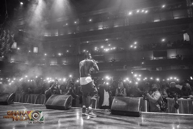 Video: Shatta Wale Storms 2017 Ghana Meets Naija UK With Fire Works!!