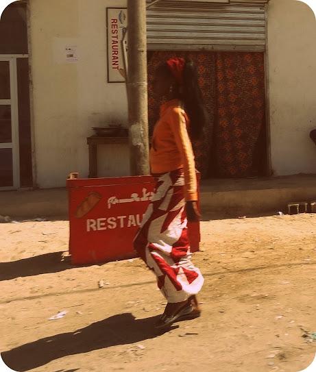 Marrocos e Mauritãnia a Queimar Pneu e Gasolina - Página 7 DSC05980