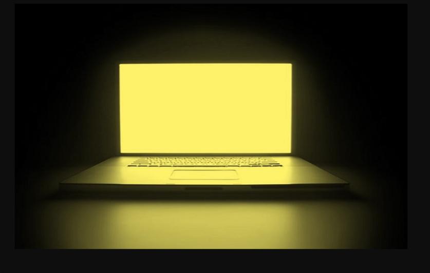 حل مشكلة تغير لون شاشة الكمبيوتر