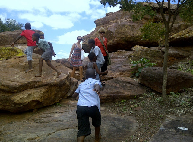 Tish, Britt and kids at the Bakgatla museum in Mochudi