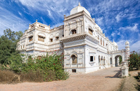 Sadiq Grah palace, Dera Nawab Sahib