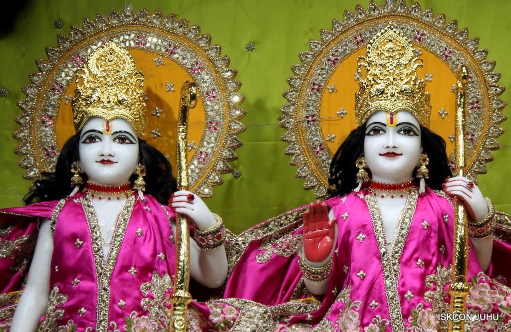 ISKCON Juhu Mangal Deity Darshan on 12th Sep 2016   (11)