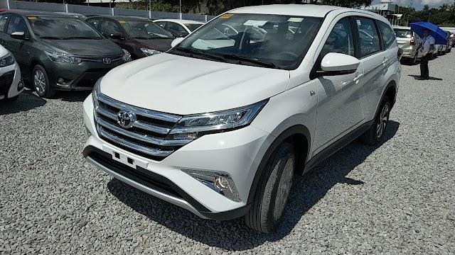 PHOTOS: Toyota RUSH 1.5E - Freedom White